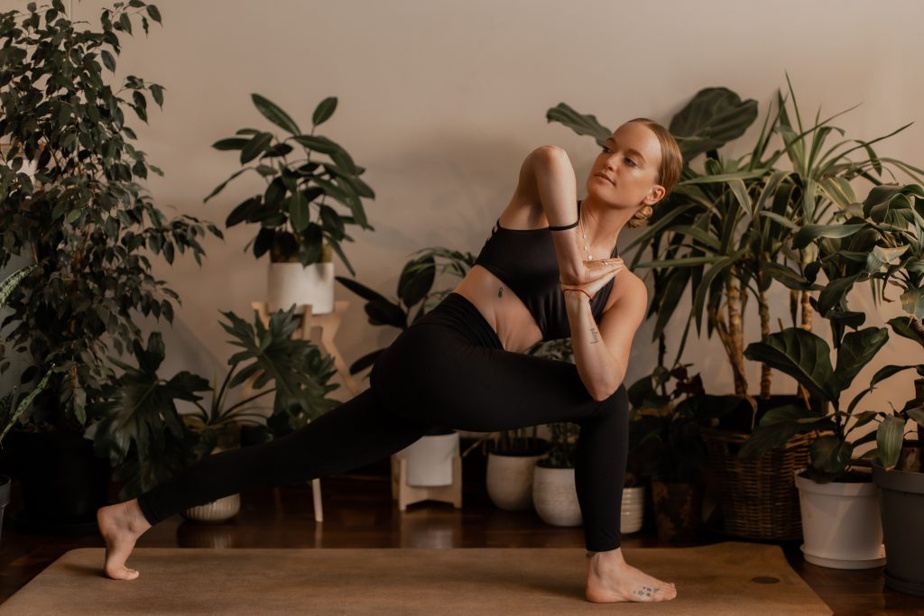 Vamos Verde Yoga Position with Lucy